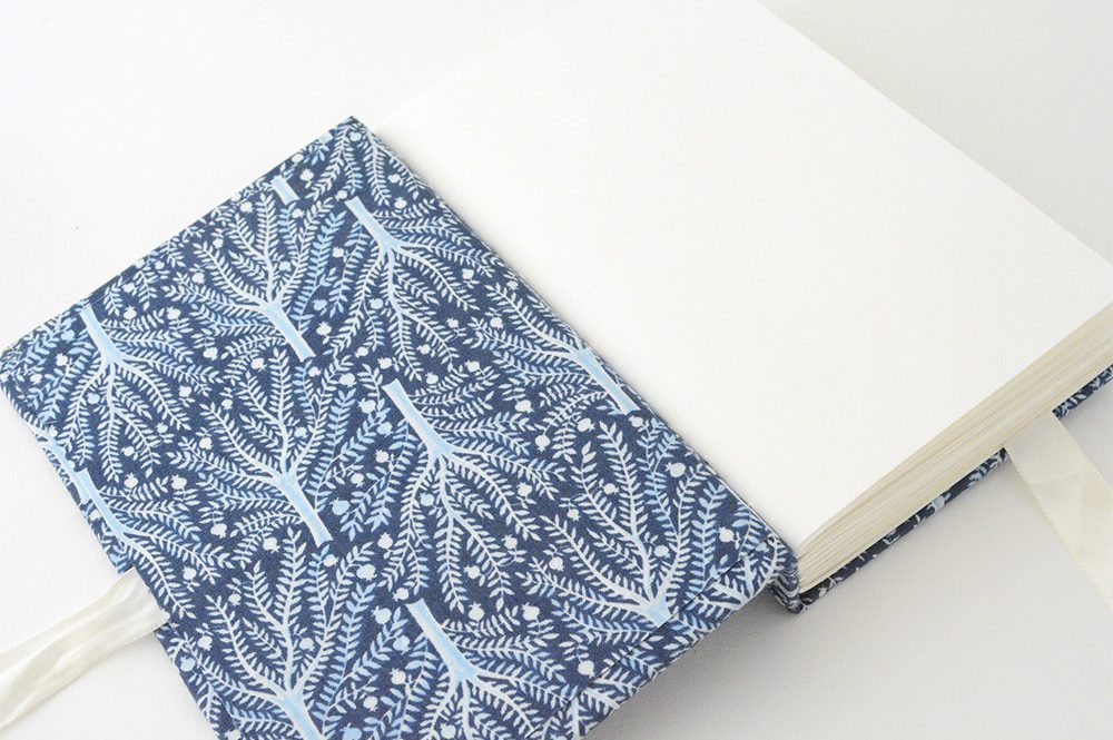 Long stitch link stitch book